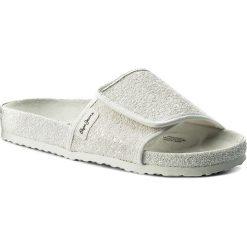 Klapki PEPE JEANS - Oban Moon PLS90325  White 800. Białe klapki damskie Pepe Jeans, z jeansu. W wyprzedaży za 149.00 zł.