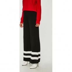 Trendyol - Spodnie. Szare spodnie materiałowe damskie Trendyol, z dzianiny. W wyprzedaży za 69.90 zł.