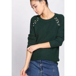 Zielony Sweter Higher Than Reason. Zielone swetry damskie Born2be, ze splotem, z okrągłym kołnierzem. Za 89.99 zł.