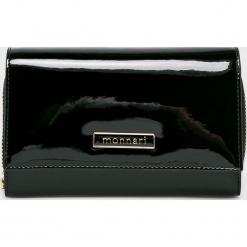 Monnari - Portfel skórzany. Czarne portfele damskie Monnari, z materiału. W wyprzedaży za 139.90 zł.