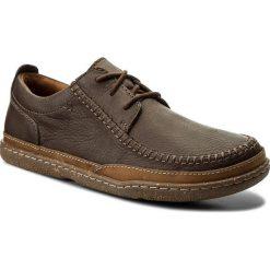 Półbuty CLARKS - Trapell Apron 261286807 Dark Brown Leather. Brązowe półbuty na co dzień męskie Clarks, z materiału. W wyprzedaży za 259.00 zł.