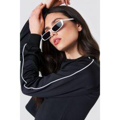 NA-KD Krótka bluza sportowa - Black. Czarne bluzy sportowe damskie NA-KD, z poliesteru. W wyprzedaży za 70.67 zł.