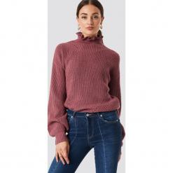 Rut&Circle Sweter z falbanką - Pink. Różowe swetry damskie Rut&Circle, z dzianiny, z falbankami. Za 141.95 zł.