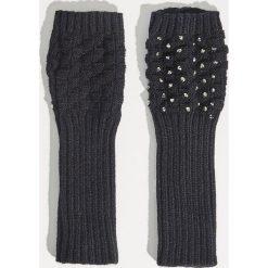 Rękawiczki bez palców - Czarny. Czarne rękawiczki damskie Sinsay. Za 14.99 zł.
