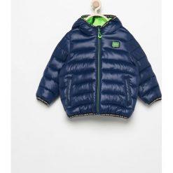Pikowana kurtka z kapturem - Granatowy. Kurtki i płaszcze dla chłopców marki Pulp. W wyprzedaży za 119.99 zł.