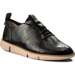 Półbuty CLARKS - Tri Etch 261325194 Black Leather. Czarne półbuty damskie Clarks, z materiału. W wyprzedaży za 229.00 zł.