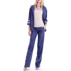 Zestaw w kolorze niebieskim - żakiet, spodnie. Spodnie materiałowe damskie Andrea Crocetta. W wyprzedaży za 269.95 zł.