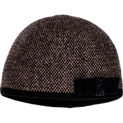 Czapka z kokardą QUIOSQUE. Brązowe czapki i kapelusze damskie QUIOSQUE, z dzianiny. W wyprzedaży za 49.99 zł.