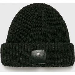 Medicine - Czapka Under The City. Czarne czapki i kapelusze męskie MEDICINE. W wyprzedaży za 29.90 zł.