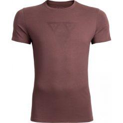T-shirt męski TSM624 - brąz - Outhorn. Brązowe t-shirty męskie Outhorn, z nadrukiem, z bawełny. Za 39.99 zł.