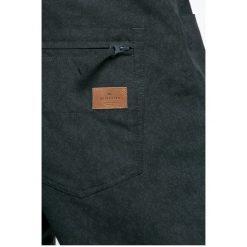 Quiksilver - Spodnie snowboardowe. Szare spodnie snowboardowe męskie Quiksilver, z materiału. W wyprzedaży za 579.90 zł.