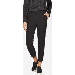 G-Star Raw - Spodnie Bronson. Czarne spodnie materiałowe damskie G-Star Raw, z dzianiny. W wyprzedaży za 499.90 zł.
