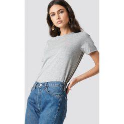 NA-KD T-shirt Babe Chest - Grey. Szare t-shirty damskie NA-KD, z nadrukiem, z bawełny. Za 72.95 zł.