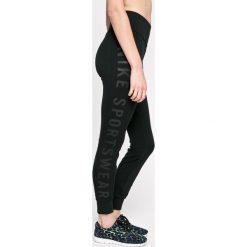 Nike Sportswear - Legginsy. Czarne legginsy damskie Nike Sportswear, z bawełny. W wyprzedaży za 139.90 zł.
