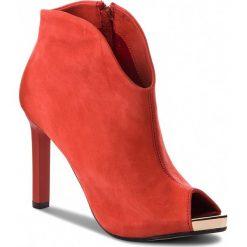 Szpilki CARINII - B3874/BK H55-000-000-C17. Czerwone szpilki damskie Carinii, z materiału. W wyprzedaży za 199.00 zł.
