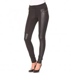 """Spodnie """"Mini"""" w kolorze czarnym. Czarne spodnie materiałowe damskie Assuili, ze skóry. W wyprzedaży za 113.95 zł."""