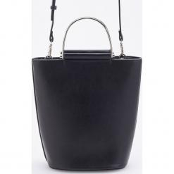 Torebka z ozdobnym uchwytem - Czarny. Czarne torebki do ręki damskie Reserved. Za 129.99 zł.