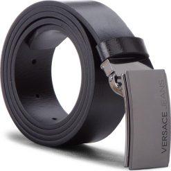 Pasek Męski VERSACE JEANS - D8YSBF15 100 70818 899. Czarne paski damskie Versace Jeans, w paski, z jeansu. W wyprzedaży za 339.00 zł.