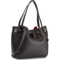 Torebka NOBO - NBAG-E0070-C020 Czarny. Czarne torebki do ręki damskie Nobo, ze skóry ekologicznej. W wyprzedaży za 139.00 zł.