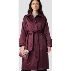 NA-KD Błyszczący płaszcz - Purple. Fioletowe płaszcze damskie NA-KD, w paski. Za 283.95 zł.