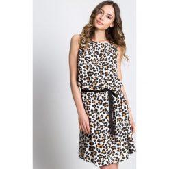 Sukienka z motywem zwierzęcym bez rękawów BIALCON. Czarne sukienki damskie BIALCON, na lato, z motywem zwierzęcym, bez rękawów. W wyprzedaży za 195.00 zł.