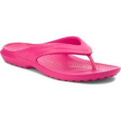Japonki CROCS - Classic Flip 202635 Candy Pink. Czerwone klapki damskie Crocs, z tworzywa sztucznego. Za 89.00 zł.