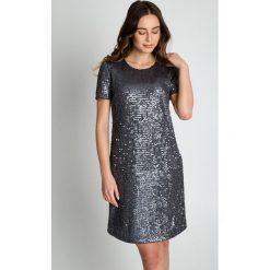 Błyszcząca sukienka z krótkim rękawem BIALCON. Szare sukienki damskie BIALCON, wizytowe, z krótkim rękawem. W wyprzedaży za 210.00 zł.