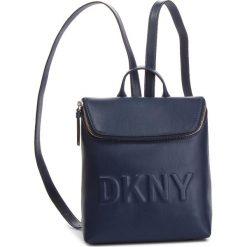 Plecak DKNY - Tilly Sm Backpack R83KZ703  Nvy-Navy 410. Niebieskie plecaki damskie DKNY, ze skóry ekologicznej, klasyczne. Za 639.00 zł.