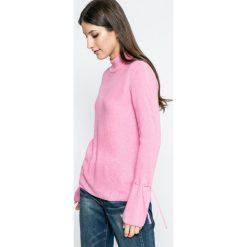 Jacqueline de Yong - Sweter. Różowe swetry damskie Jacqueline de Yong, z dzianiny. W wyprzedaży za 49.90 zł.