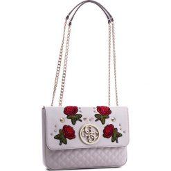 Torebka GUESS - HWRR69 99200 NUD. Czerwone torebki do ręki damskie Guess, ze skóry ekologicznej. Za 589.00 zł.