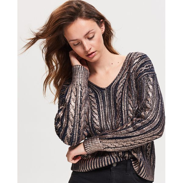 5c2e22e82b627 Błyszczący sweter - Granatowy - Swetry damskie marki Reserved. W ...