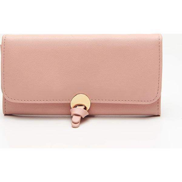 c60671b2f5b97 Duży portfel z ozdobnym zapięciem - Różowy - Portfele damskie marki ...