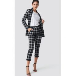 Moves Spodnie Flang - Black. Czarne spodnie materiałowe damskie Moves, z haftami. Za 283.95 zł.