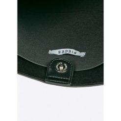 Pieces - Torebka. Czarne torby na ramię damskie Pieces. W wyprzedaży za 149.90 zł.