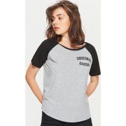 Koszulka z raglanowymi rękawami - Jasny szary. T-shirty damskie marki DOMYOS. W wyprzedaży za 14.99 zł.