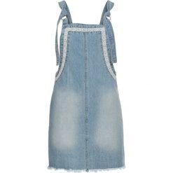 """Sukienka dżinsowa bonprix jasnoniebieski """"bleached"""". Sukienki damskie marki MAKE ME BIO. Za 129.99 zł."""