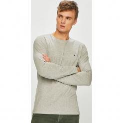 Tommy Hilfiger - T-shirt. Szare bluzki z długim rękawem męskie Tommy Hilfiger, z bawełny, z okrągłym kołnierzem. Za 179.90 zł.