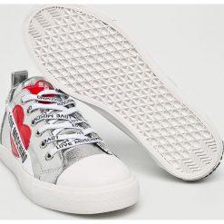 Love Moschino - Tenisówki. Szare trampki i tenisówki damskie Love Moschino, z materiału. W wyprzedaży za 499.90 zł.
