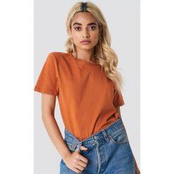 NA-KD Basic T-shirt basic - Orange. Pomarańczowe t-shirty damskie NA-KD Basic, z bawełny, z okrągłym kołnierzem. Za 52.95 zł.