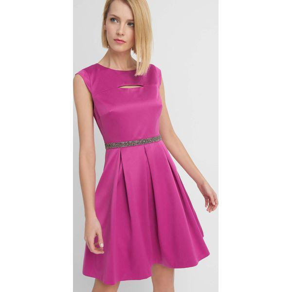 f69bdb21e0 Sukienka z rozcięciem na dekolcie - Sukienki damskie marki Orsay