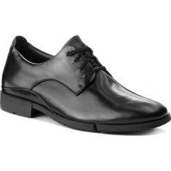 Półbuty CLARKS - Daulton Walk 261269327 Black Leather. Czarne eleganckie półbuty Clarks, z materiału. W wyprzedaży za 249.00 zł.