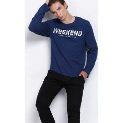 Niebieska Koszulka Weekend Vibes. Niebieskie bluzki z długim rękawem męskie Born2be. Za 39.99 zł.