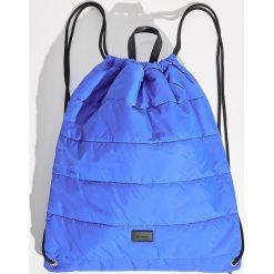 Pikowany plecak worek - Niebieski. Niebieskie plecaki damskie Sinsay. Za 39.99 zł.