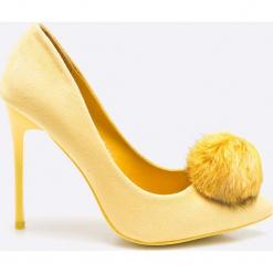 Answear - Szpilki Chc-Shoes. Białe szpilki damskie ANSWEAR, z materiału. W wyprzedaży za 59.90 zł.