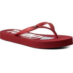Japonki TOMMY JEANS - Love Tj Beach Sandal EN0EN00316 Tango Red 611. Czerwone klapki damskie Tommy Jeans, z jeansu. W wyprzedaży za 109.00 zł.