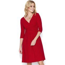 Czerwona Dresowa Sukienka z Dekoltem V. Czerwone sukienki damskie Molly.pl, z dresówki, z kopertowym dekoltem. Za 119.90 zł.