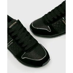 Versace Jeans - Buty. Czarne obuwie sportowe damskie Versace Jeans, z jeansu. Za 579.90 zł.