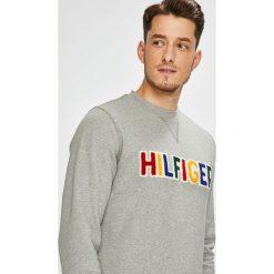 Tommy Hilfiger - Bluza. Szare bluzy męskie Tommy Hilfiger, z aplikacjami, z bawełny. Za 449.90 zł.