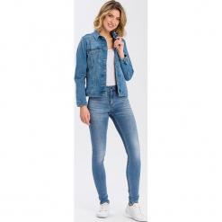 """Dżinsy """"Natalia"""" - Super Skinny fit - w kolorze błękitnym. Niebieskie jeansy damskie Cross Jeans. W wyprzedaży za 113.95 zł."""