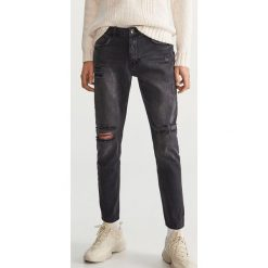 Przecierane jeansy - Szary. Szare jeansy męskie Reserved. Za 149.99 zł.